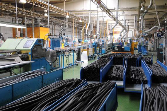 Produktionshalle Gummifertigung