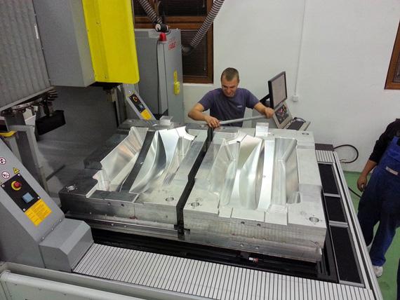 Auf Basis der Zeichnung des Kunden erfolgt der Werkzeug- und Formenbau.